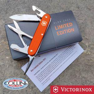 Victorinox - Pioneer X Alox - Tiger Orange Limited Edition 2021 - 0.8231.L21 - utility knife