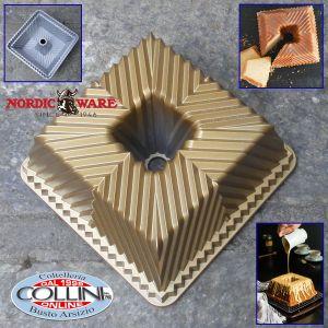 Nordic Ware -  Square Bundt Cake Pan - gold version
