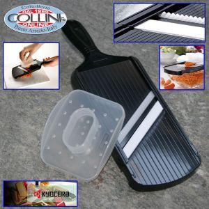 Kyocera - Ceramic slicer with blade cut Julienne