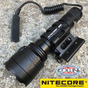 Nitecore - NEW P30 - Hunting Kit - 1000 lumens and 618 meters - Led flashlight + remote + battery + attack
