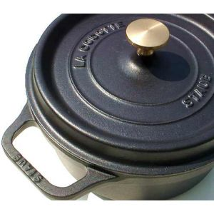 Staub - Cocotte in ghisa smaltata con coperchio cm. 26 colore nero